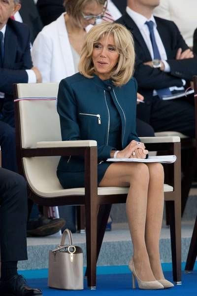 Hóa ra đôi chân vượt tuổi tác của Đệ nhất phu nhân Pháp không chỉ khiến chị em ghen tị, chồng trẻ si mê mà giới truyền thông cũng điêu đứng - Ảnh 3.