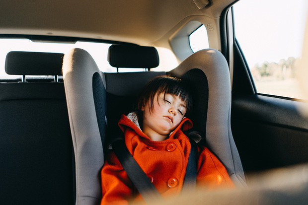 Người lớn ngủ trên ô tô 1 tiếng đã có thể tử vong, tình trạng nguy hiểm hơn gấp bội đối với trẻ em - Ảnh 2.