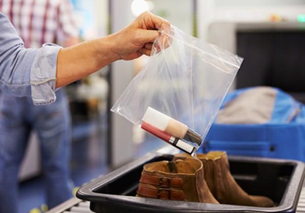 12 sai lầm du khách thường mắc phải nhất trước mỗi chuyến bay, cần lưu ý ngay để tránh rước họa vào người - Ảnh 8.