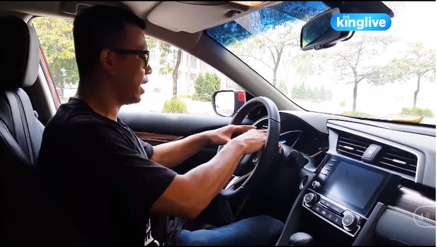 Clip thực nghiệm kỹ năng thoát hiểm khi bị mắc kẹt trong xe ô tô: Khóa cửa, tắt máy, còi xe liệu vẫn hoạt động? - Ảnh 6.