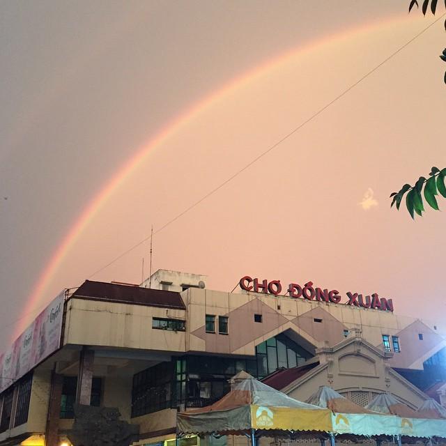 Những hàng ăn ở Hà Nội chỉ mở lúc rạng sáng và nghỉ bán khi mặt trời vừa lên, dù gió rét vẫn tấp nập người qua lại - Ảnh 16.