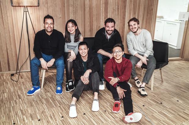 Miệt mài startup: 16 tiếng/ngày với đôi sneaker làm bằng bã cà phê, hai thanh niên Việt thu về hơn 10 tỷ đồng ở trời Tây - Ảnh 8.