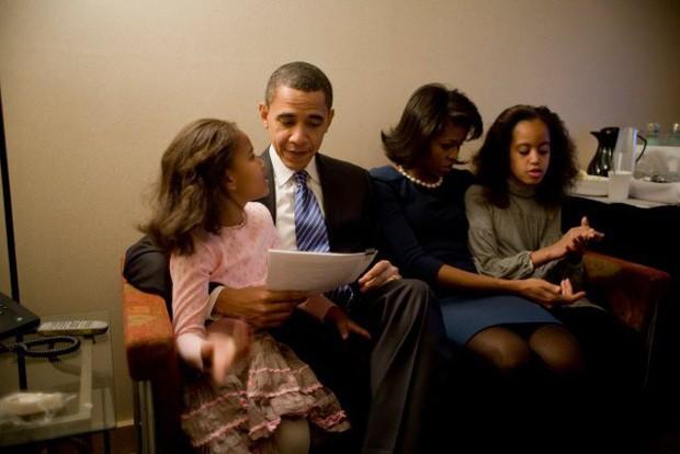 """Cựu Tổng thống Obama: """"Tôi không thể làm tổng thống cả đời nhưng tôi phải làm cha cả đời"""" - Ảnh 2."""