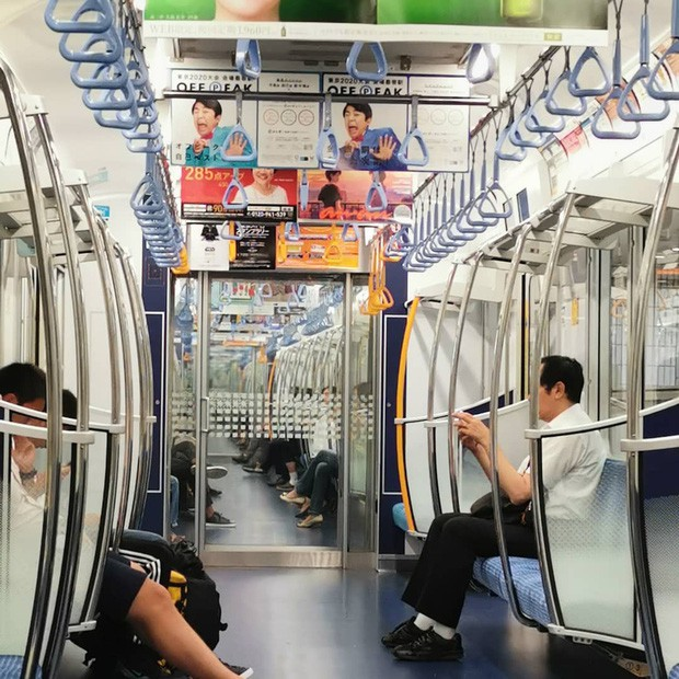 Những điều cấm kị du khách thường mắc phải khi đi tàu điện khiến người Nhật khó chịu, nhiều cái nghe vô lý nhưng lại rất… thuyết phục! - Ảnh 6.