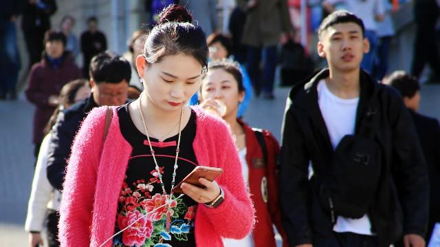 Tương lai mờ mịt của giới trung lưu Trung Quốc vì kinh tế giảm tốc - Ảnh 1.