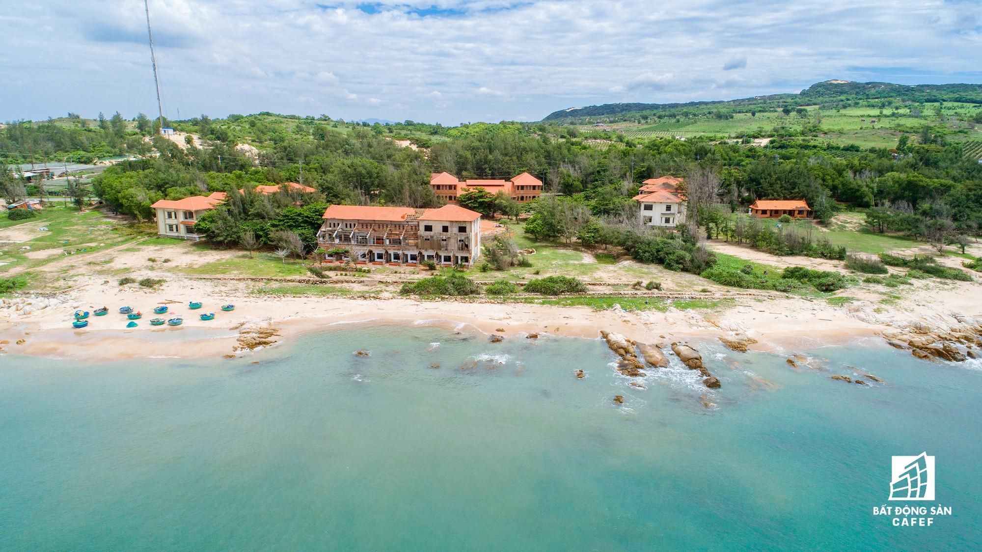 Quy hoạch thành khu du lịch quốc gia, dải ven biển này đang đón dòng vốn hàng tỷ USD, giá đất tăng chóng mặt - Ảnh 26.