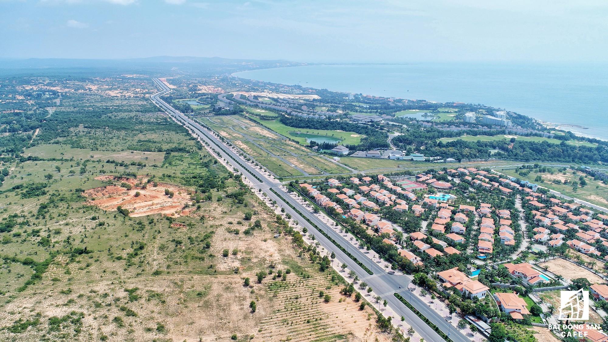 Quy hoạch thành khu du lịch quốc gia, dải ven biển này đang đón dòng vốn hàng tỷ USD, giá đất tăng chóng mặt - Ảnh 27.