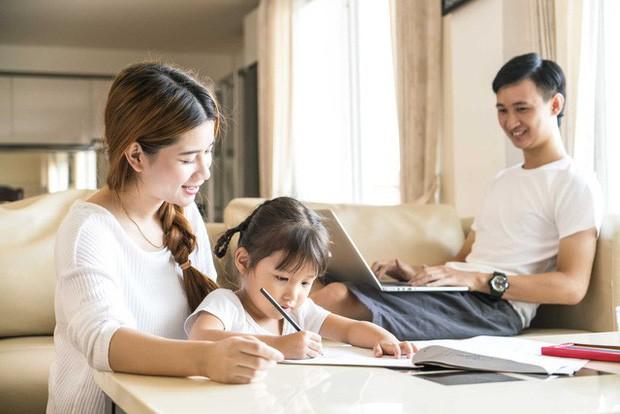 Cha mẹ hãy nghiêm khắc nhìn lại mình: Đôi khi bạn có thể làm tất cả mọi thứ cho con trừ việc để nó là chính mình - Ảnh 2.