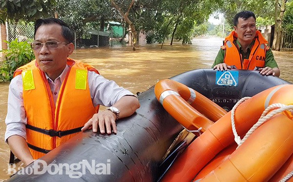 Đồng Nai mưa lớn ngập hàng trăm ngôi nhà, 1 người chết do lũ cuốn - Ảnh 3.