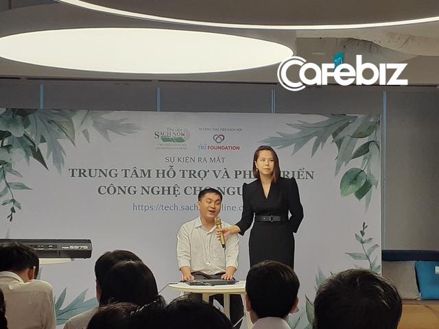 Lê Hoàng Uyên Vy ra mắt trung tâm hỗ trợ và phát triển công nghệ cho người mù - Ảnh 1.