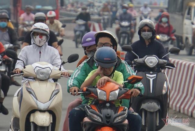 Sương mù ở Sài Gòn có thể do ô nhiễm không khí nặng - Ảnh 4.