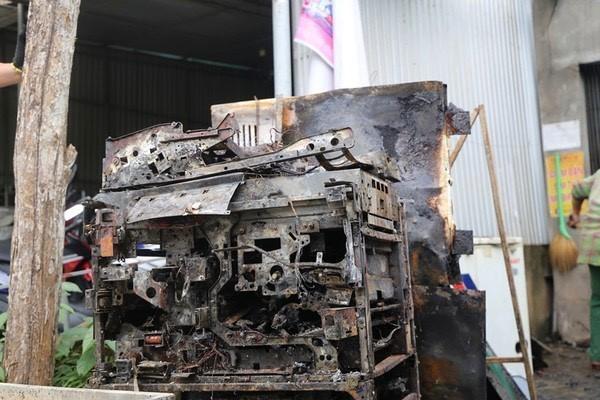Sau tiếng nổ lớn, hàng trăm thiết bị điện ở Hà Tĩnh bị chập cháy - Ảnh 1.