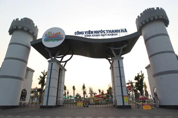 Sau vụ bé trai 6 tuổi đuối nước tử vong, công viên nước Thanh Hà đóng cửa, treo biển đang bảo dưỡng - Ảnh 1.