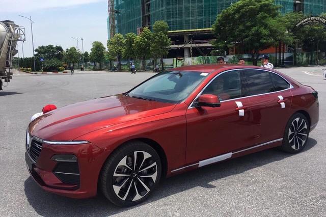Khách Việt có thể lái thử VinFast Lux cùng chuyên gia nước ngoài, đối tác của Ferrari, Rolls-Royce - Ảnh 2.