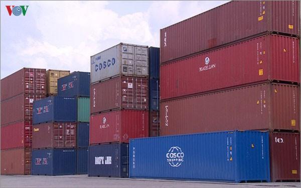Trục xuất 1.600 container phế liệu, chuyển điều tra nhiều doanh nghiệp - Ảnh 1.