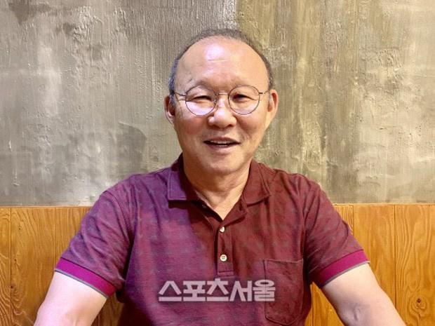 HLV Park Hang-seo: Họ nói tôi nên ra đi khi còn tiếng vỗ tay nhưng thật vô trách nhiệm nếu rời Việt Nam lúc này - Ảnh 1.