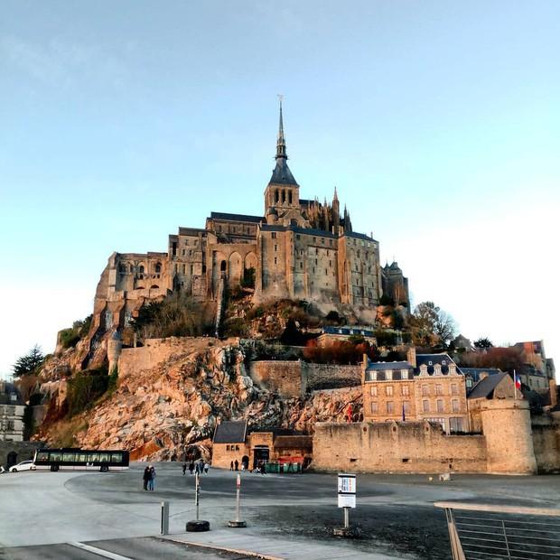 Hòn đảo cổ tích Mont Saint Michel: Hot không thua kém gì tháp Eiffel, thuộc top 3 địa điểm check-in ảo diệu nhất tại Pháp - Ảnh 14.