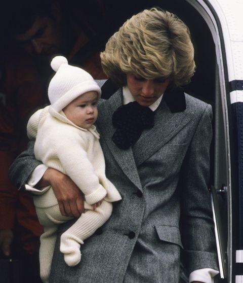 Dân mạng đòi tẩy chay vợ chồng Hoàng tử Harry và Meghan Markle vì liên tục bắt chước Công nương Diana để đánh bóng tên tuổi - Ảnh 4.