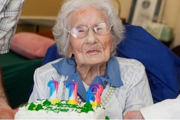 Bí quyết sống lâu của những ông bà thọ nhất thế giới - Ảnh 1.