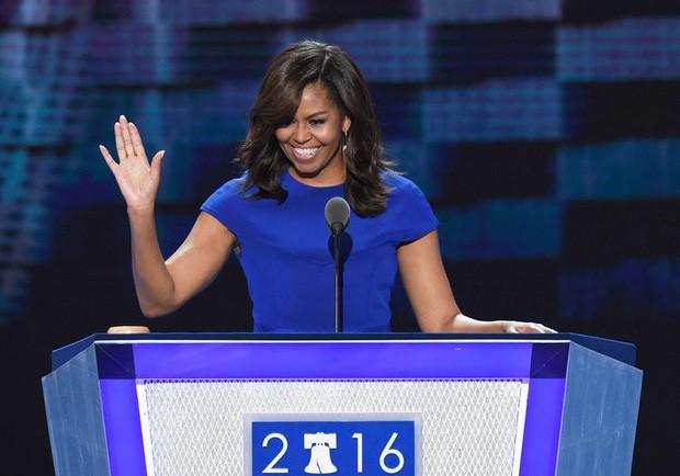 """Từng bị lôi ra làm trò cười và tổn thương sâu sắc nhưng tôi hiểu giá trị của mình"""" - bí quyết để thành công và hạnh phúc do phu nhân cựu tổng thống Obama chia sẻ - Ảnh 1."""