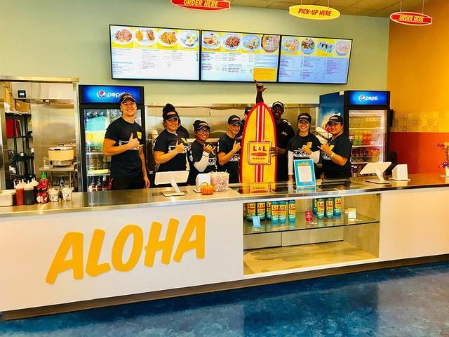 Từng đúp học đến 4 lần, người đàn ông Philipines biến cửa hiệu tạp hóa cũ thành đế chế Fastfood châu Á tại Mỹ - Ảnh 5.