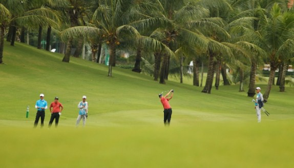 Ngăn đối thủ lội ngược dòng, tuyển golf miền Nam xuất sắc vô địch, ẵm 300 triệu đồng tại Cúp Độc lập 2019 lần đầu tổ chức tại Việt Nam - Ảnh 1.