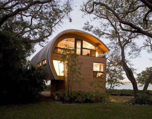 Ngôi nhà lơ lửng giữa rừng cây có view nhìn ra hồ tuyệt đẹp - Ảnh 1.