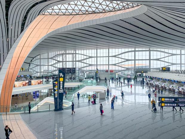 Tại sao không nên… ngáp khi đi qua cổng an ninh ở sân bay? Hành động nhỏ nhưng hậu quả cực kỳ nghiêm trọng! - Ảnh 3.
