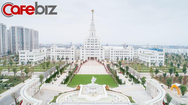 Đại học tinh hoa VinUni: Vẻ đẹp sánh ngang với ngôi trường Lomonosov của Nga, cùng sử dụng kiến trúc Gothic và đặt biểu tượng trên đỉnh tháp - Ảnh 3.