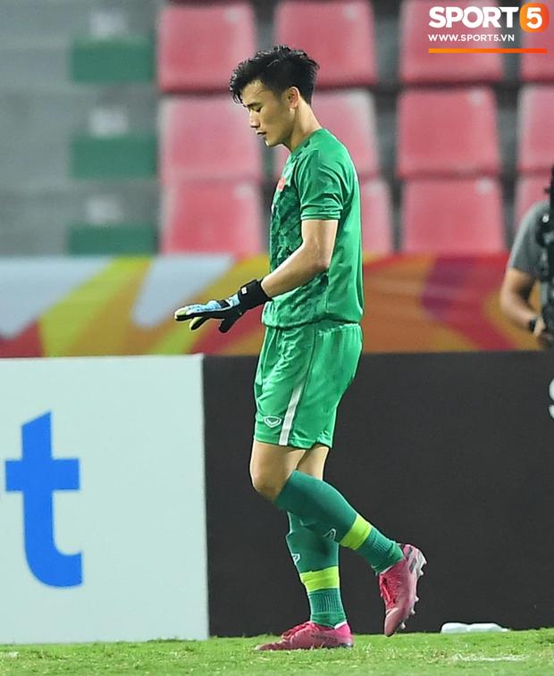 Tiến Dũng thất thần sau pha ghi bàn, cơ hội đi tiếp của U23 Việt Nam bé bằng con kiến - Ảnh 5.