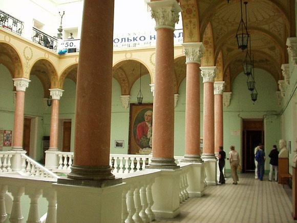 Đại học tinh hoa VinUni: Vẻ đẹp sánh ngang với ngôi trường Lomonosov của Nga, cùng sử dụng kiến trúc Gothic và đặt biểu tượng trên đỉnh tháp - Ảnh 8.