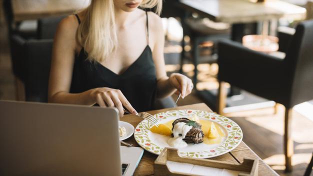 Chỉ cần dựa vào dấu hiệu siêu nhỏ này trong khi ăn, bạn sẽ biết mình có đang mắc bệnh ung thư ác tính hay không - Ảnh 5.