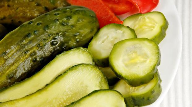 5 loại thực phẩm dễ gây ung thư hàng đầu: loại nên hạn chế ăn nhiều, loại tuyệt đối không được ăn - Ảnh 2.
