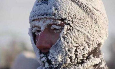 Thành phố lạnh lẽo nhất thế giới: Âm 64 độ, ngoài chợ chỉ bán 1 loại thực phẩm duy nhất - Ảnh 1.
