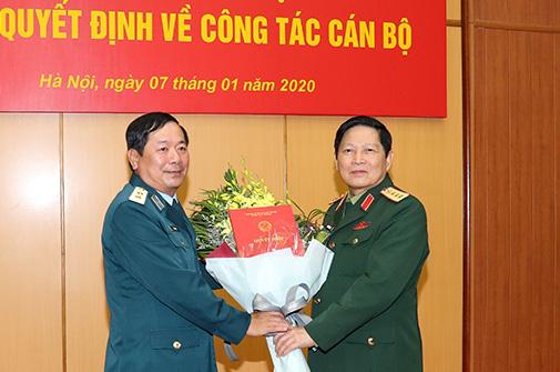 5 tướng lĩnh quân đội nhận nhiệm vụ mới - Ảnh 2.