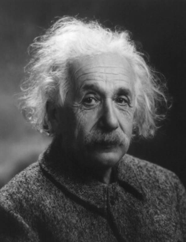 Cuộc đời của cháu gái nuôi thiên tài Albert Einstein: Từng nghe đồn mình là con ruột của ông nội nhưng cuối cùng chết trong nghèo khổ  - Ảnh 1.