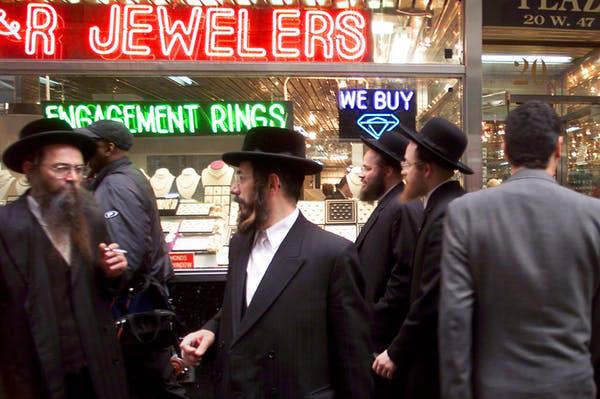 Bí ẩn con phố 47 giữa lòng New York - nơi những giao dịch kim cương cả trăm ngàn USD được chốt dựa trên lòng tin và những cú bắt tay suốt 200 năm qua - Ảnh 2.
