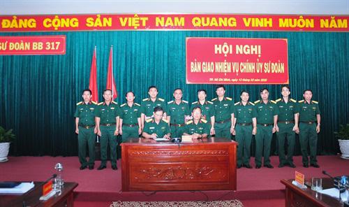 Điều động, bổ nhiệm nhân sự 2 Quân khu - Ảnh 8.