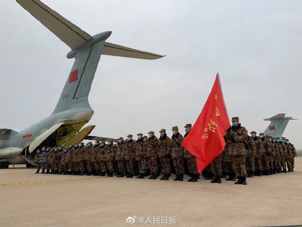 Virus corona: Bên trong bệnh viện dã chiến 1.000 giường vừa được xây dựng thần tốc tại Vũ Hán - Ảnh 7.