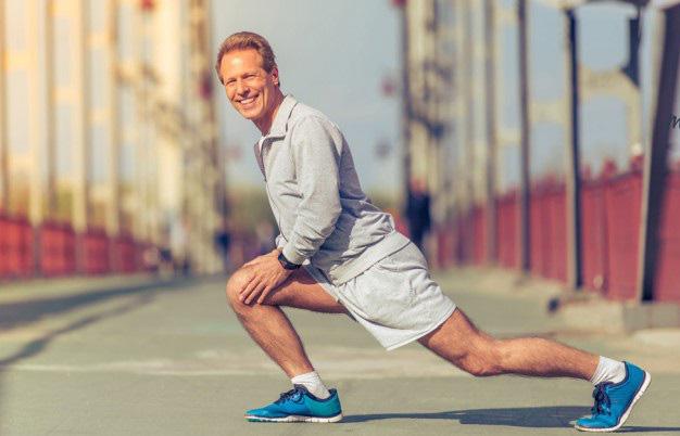 Mốc tuổi 50 rất quan trọng với sức khỏe: 3 bộ phận cơ thể này vẫn bình thường là biểu hiện của việc trường thọ - Ảnh 1.