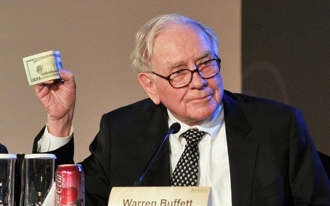 Berkshire dư thừa 100 tỷ USD nhưng đó chính là điều khiến Buffett lo lắng