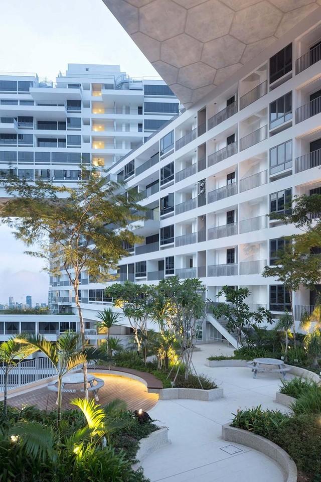 Mặt bằng xây dựng là 170.000 m2, với kết cấu đặc biệt của khu nhà, công trình được phủ xanh toàn bộ
