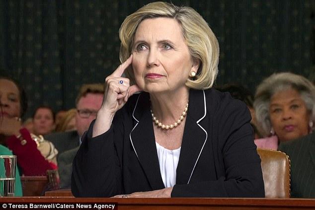 Bà Teresa Barnwell kiếm được hàng nghìn USD khi đóng giả làm ứng viên Đảng Dân chủ Hillary Clinton.