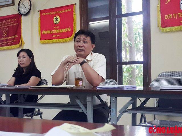 Ông Luyện Quang Trung, Tổng giám đốc Công ty Cổ phần cảng Khuyến Lương trao đổi với PV.