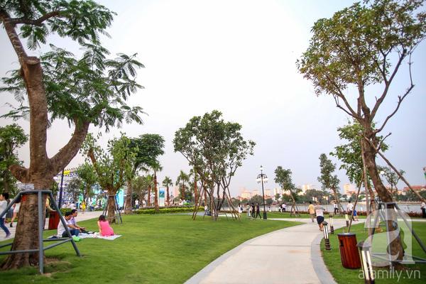 Đại diện chủ đầu tư cho biết công viên được xây dựng nhằm tạo lá phổi xanh giữa lòng thành phố, mở ra không gian công cộng đáp ứng nhu cầu vui chơi, thư giãn của người dân.