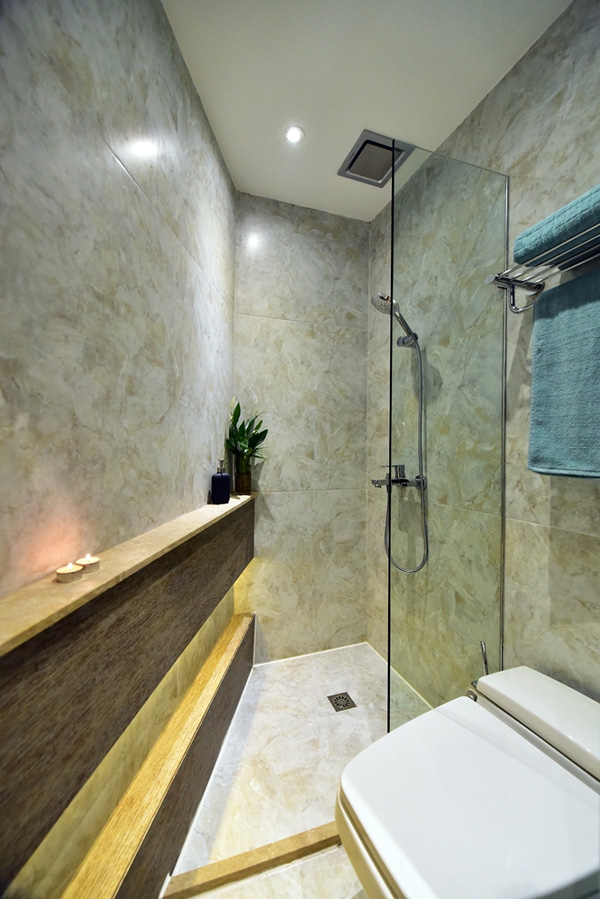 Khu vực tắm rửa đơn giản, hiện đại.