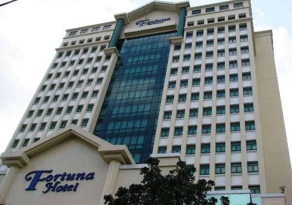 Khách sạn Hà Nội Fortuna trước nguy cơ mất trắng.