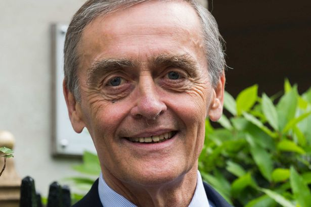 Với khả năng kinh doanh tài ba, Công tước Gerald Cavendish Grosvenor đã mở rộng đế chế của riêng mình trong nhiều năm qua. Hôm 9/8, ông bất ngờ trút hơi thở cuối cùng tại bệnh viện hoàng gia Preston thuộc vùng Lancashire sau khi lâm trọng bệnh.