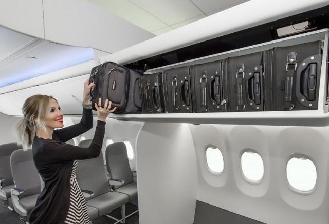 Hành lí xách tay phải xếp ngay ngắn trên ngăn và không xếp theo chiều ngang để tiết kiệm không gian.