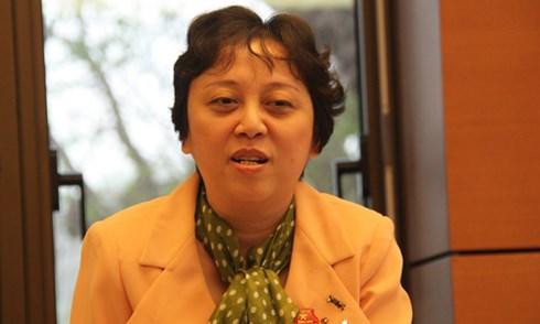 Đại biểu Nguyễn Khánh Phong Lan mong muốn Bộ trưởng Bộ Y tế lắng nghe nhiều hơn.